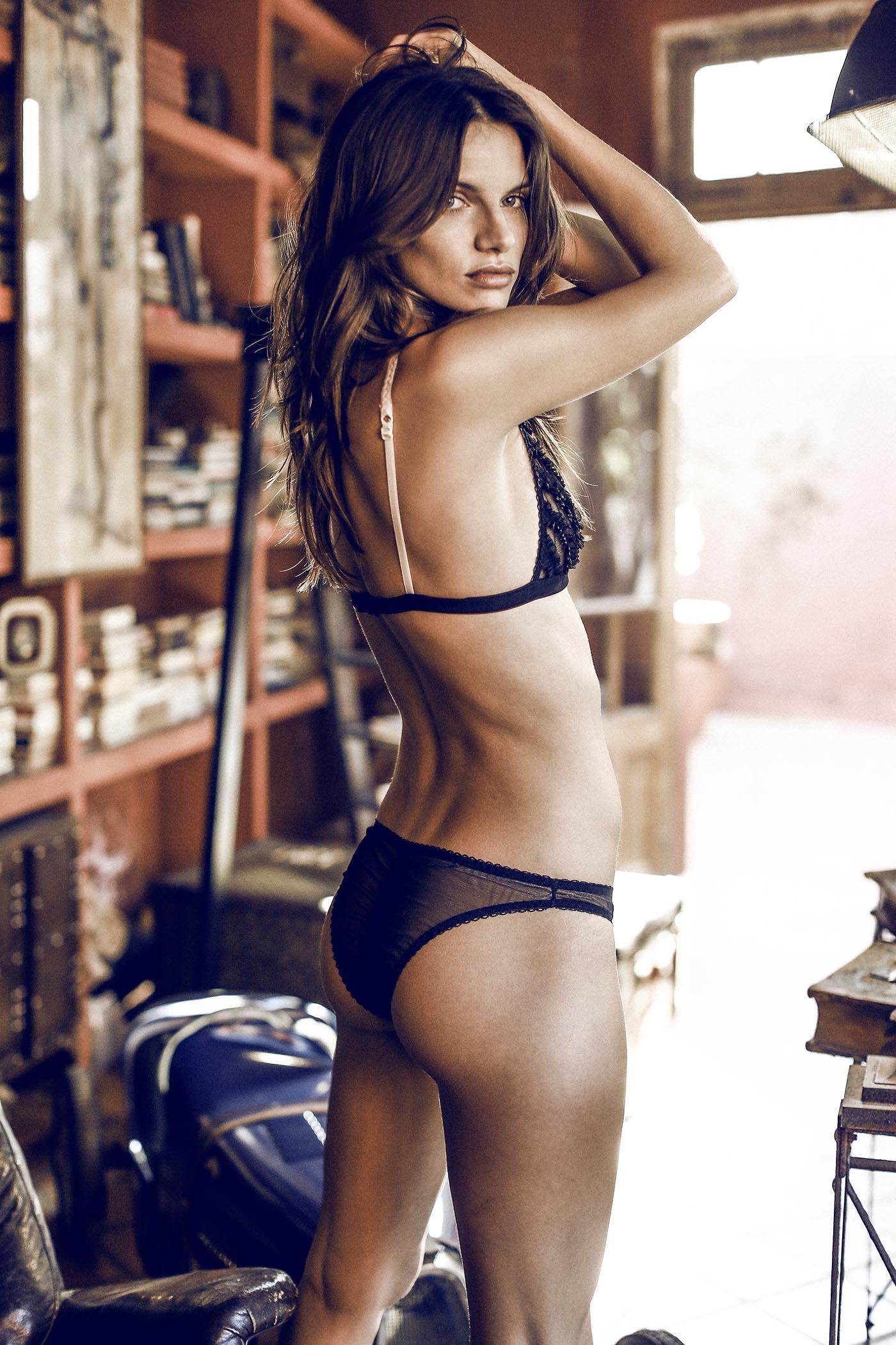 Melina Gesto photos
